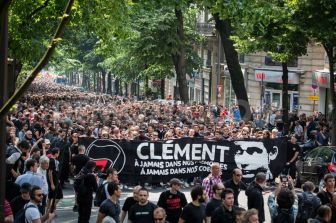 1370854368-thousands-antifascists-protest-in-paris-after-clement-merics-death_2133037